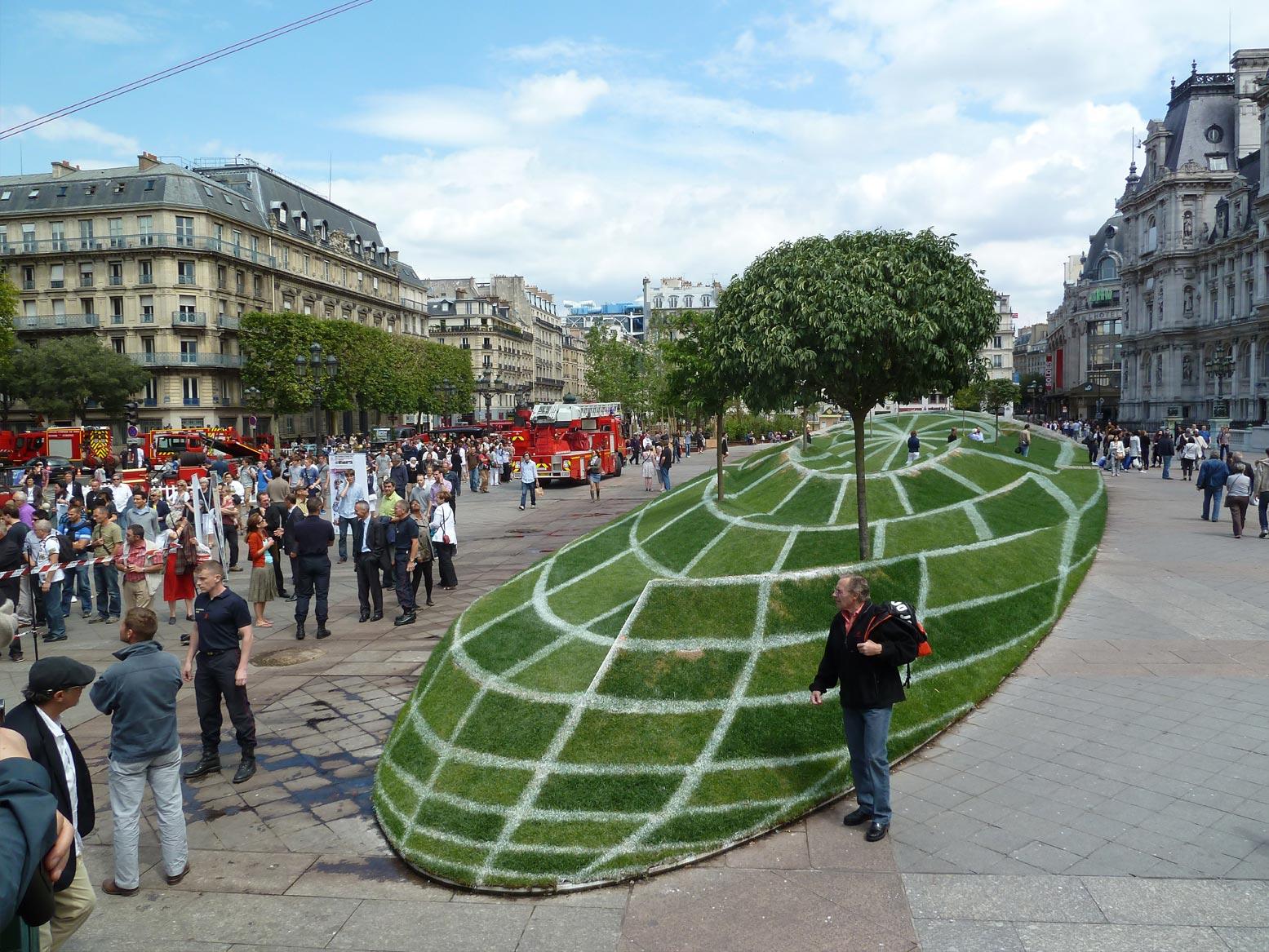 Anamorphose sur le parvis de l 39 h tel de ville de paris for Design hotel des francs garcons